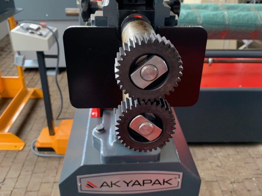 AK-BEND AKM 125 motor. - Sickenmaschine